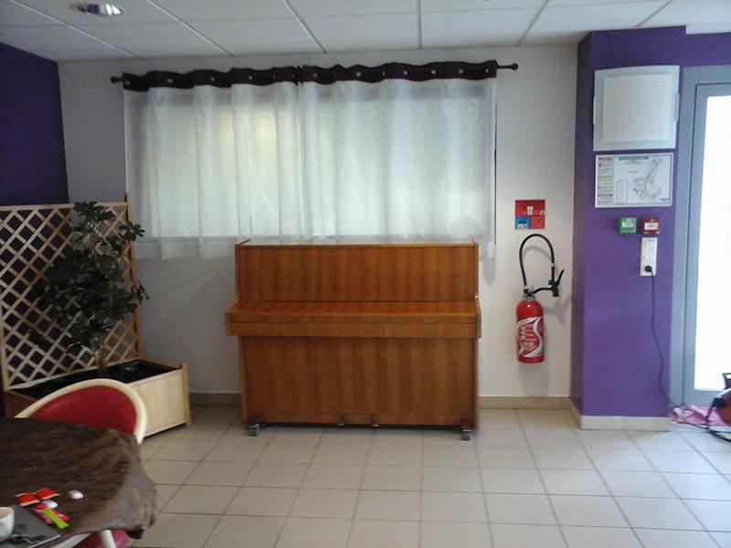 Offrons des pianos et insufflons une dynamique culturelle dans plusieurs institutions médico-sociales