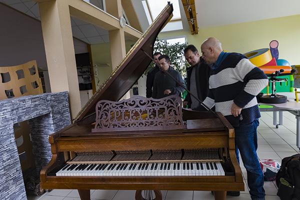 GRADISCA offre un piano au Domaine de CHANTALOUP